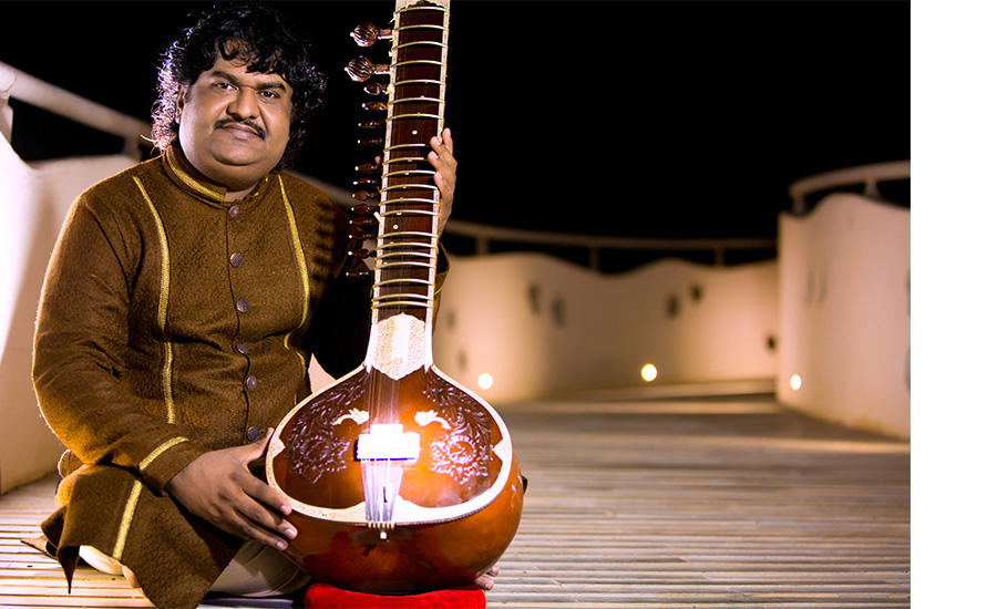 Be it Navratri, movie Ramleela, Pujya Shri Morari Bapu events or Gazals, his voice touches soul – A Story of Osman Mir